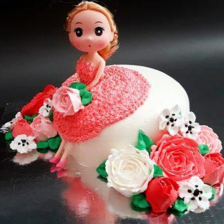 Mẫu bánh búp bê ngồi trên bánh