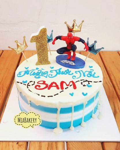 Bánh người nhện - spider man cho bé trai