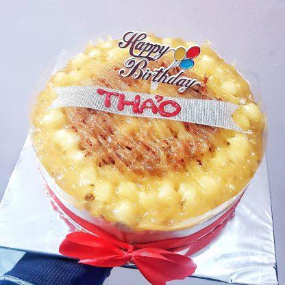 Bánh bông lan trứng muối tròn sinh nhật