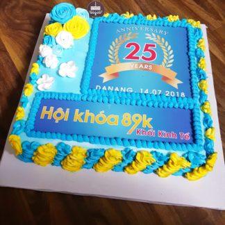 Bánh lớn in hình sinh nhật công ty