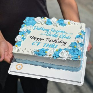 Mẫu bánh hoa kem Da Nang passion Gold Club tặng members