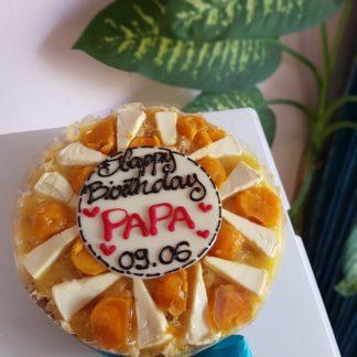 Bánh bông lan trứng muối sinh nhật